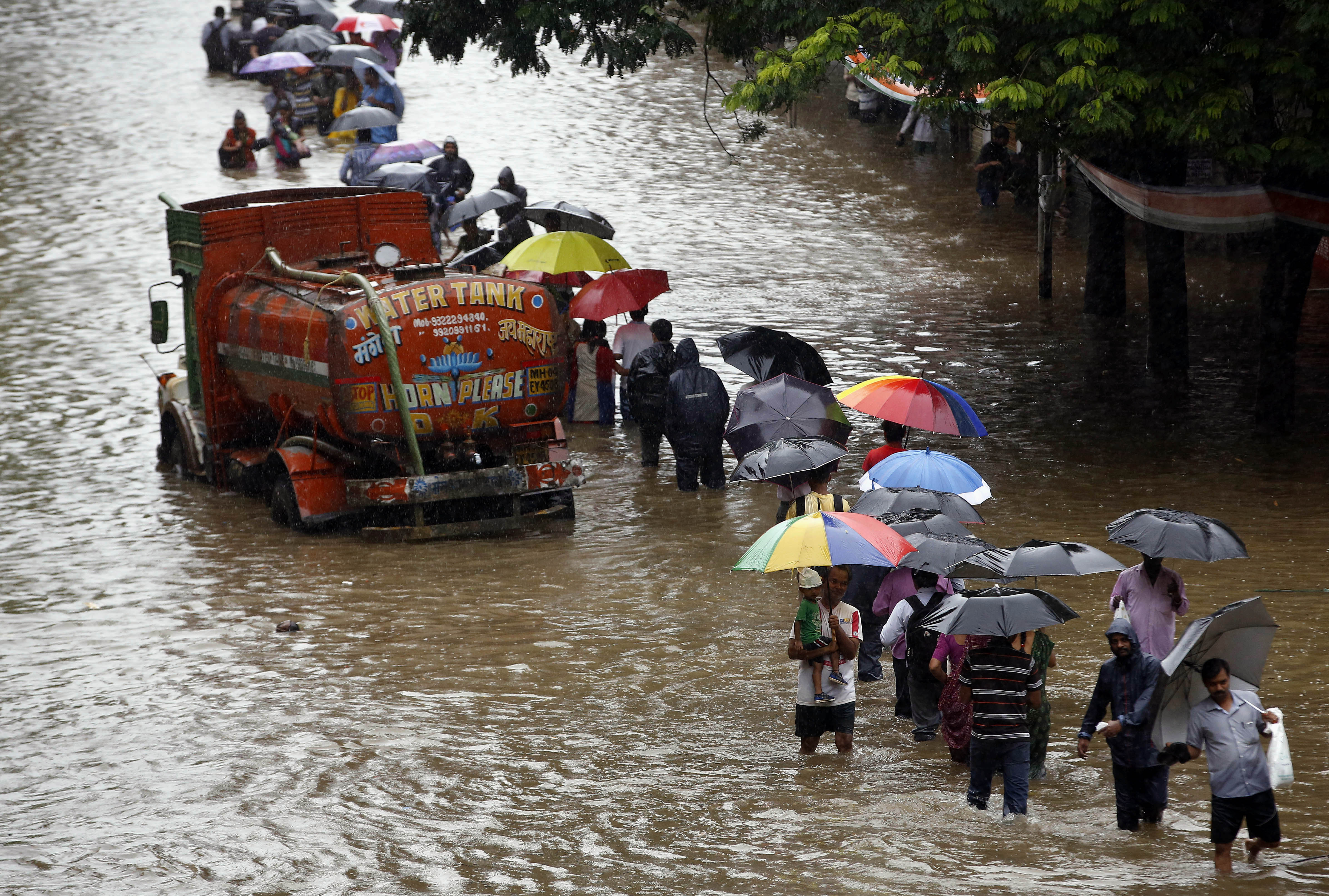 Extremely heavy rainfall expected in Mumbai this weekend, stay indoors: IMD