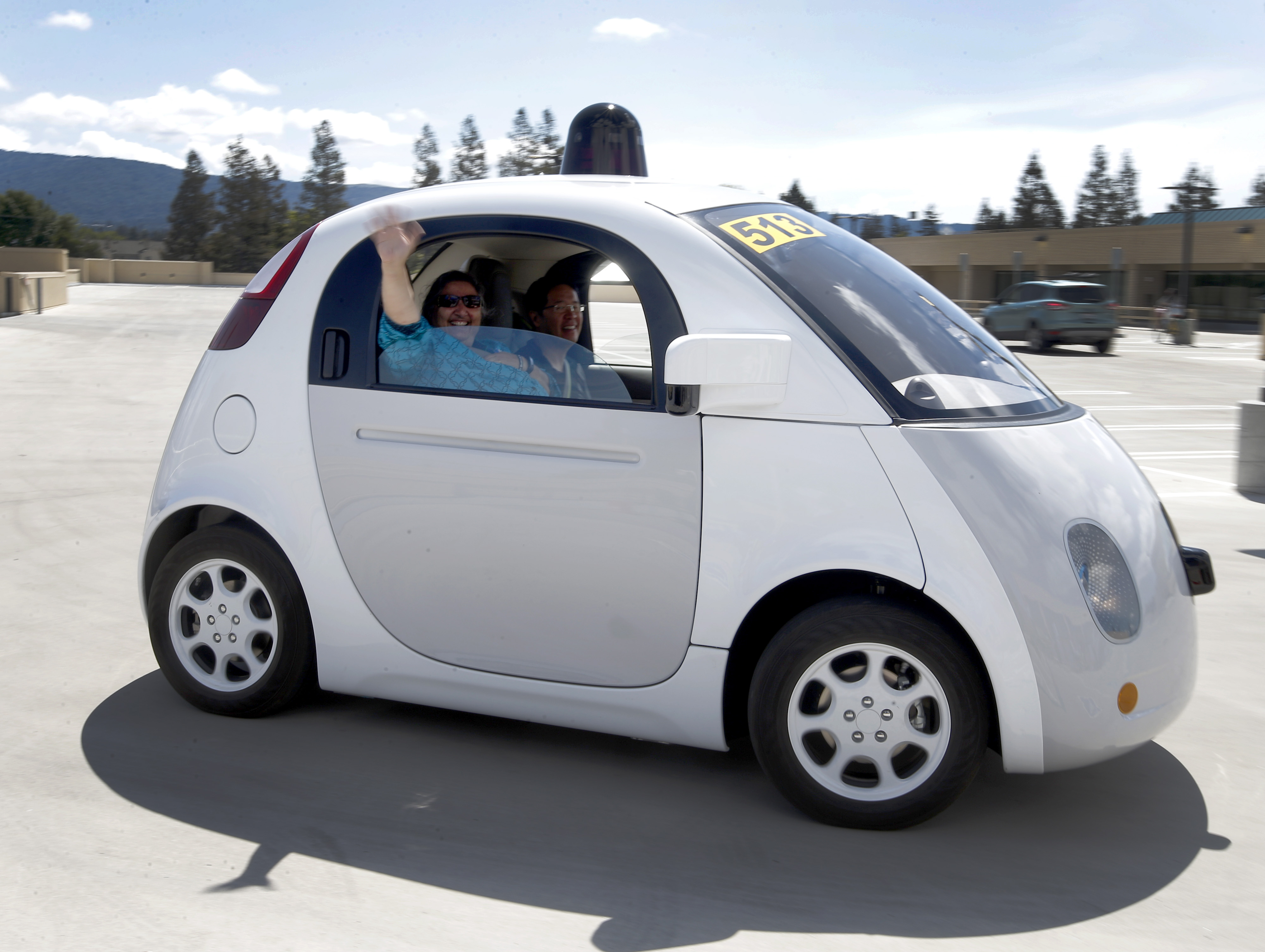 Google's Self-Driving Car Pulled Over for 'Driving too slowly'