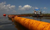 Oil Spill Cleanup: Using Oil Containment Booms