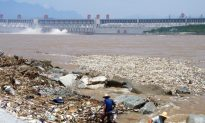 Yangtze River Pollution Imperils Hundreds of Millions