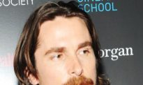 Christian Bale and Amy Adams Star in 'The Fighter'