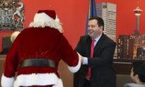Santa Re-Affirms Canadian Citizenship