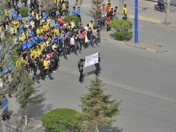About 2,000 students protested in Xilingol League government, Inner Mongolia. (Southern Mongolian Human Rights Information Center)