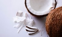Refined Vs Unrefined Coconut Oil: 3 Things You Should Know