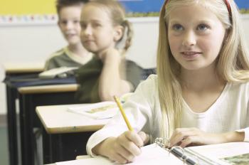 Experts are urging Canada to adopt national standards for classroom acoustics to ensure children can hear their teacher clearly. (Sean Gallup/Getty Images)