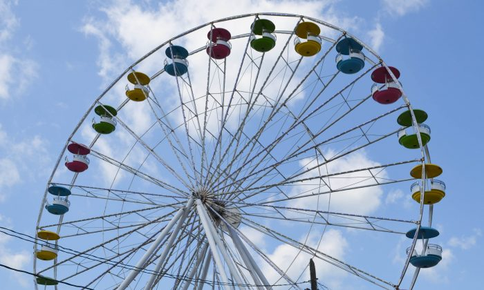 The Ferris wheel at the Orange County Fair in Middletown on July 20, 2015. (Yvonne Marcotte/Epoch Times)