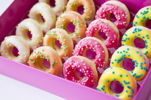 Asseraf's baked mini-donuts. (Samira Bouaou/Epoch Times)