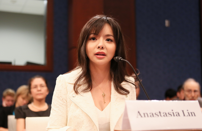Anastasia Lin, Toronto-based actress and 2015 Miss World Canada, testifies on religious persecution in China before the Congressional Executive Commission on China, in Washington on July 23, 2015. (Li Sha/Epoch Times)