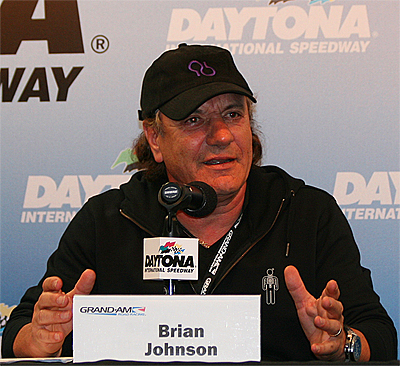 """AC/DC's Brian Johnson explains Fifty Plus Raxcing's 2013 """"Highway to Help"""" campaign against Alzheimer's disease. (Chris Jasurek/The Epoch Times)"""