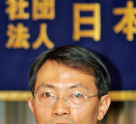 Jiao Guobiao, a former journalism professor at Beijing University, answers questions at a press conference at the Foreign Correspondents' Club in Tokyo, in March, 2006. The dissident was scheduled to be released from detention on Sept. 24, but has not been. (Toru Yamanaka/AFP/Getty Images)