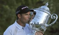 Harrington Moves to the Next Level in Golfing Circles