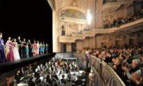 The Upturn of Divine Performing Arts Despite Economic Hardship