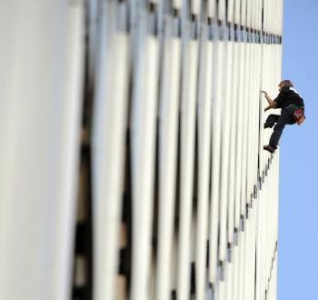 'Spiderman' Aims for Summit of Dubai's Burj Khalifa