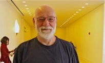 'The colors are spectacular,' Says Sculptor
