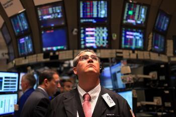 Dow Jones Fails to Keep Above 10,000