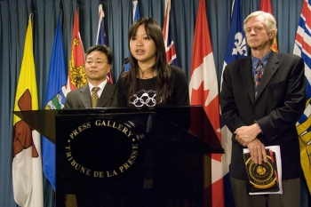 Canada Urged to Help Restore Uncensored TV Broadcast to China