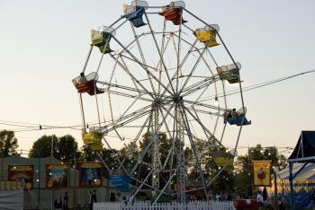 Carnivàle Lune Bleue Recreates Depression-era Carnival