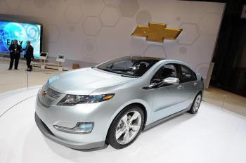 GM Focuses on 'Green' Image with Chevy Volt