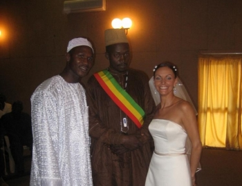 Lainie Towell and Fodé Mohamed Soumah (L) on their wedding day in Guinea, West Africa. Just four weeks after arriving in Canada, Soumah was gone. Towell is accusing him of marriage fraud.