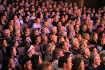 Audience at Shen Yun's premier performance at Costa Hall in Geelong (A Ming/The Epoch Times)
