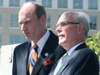 Congressman Thaddeus McCotter (L) (R-Mich.) and Dr. Lee Edwards (R), chairman of Victims of Communism Memorial Foundation, were speakers at the third anniversary of the dedication of the Memorial, in Washington, D.C., on June 10, 2010. (Gary Feuerberg/Epoch Times)