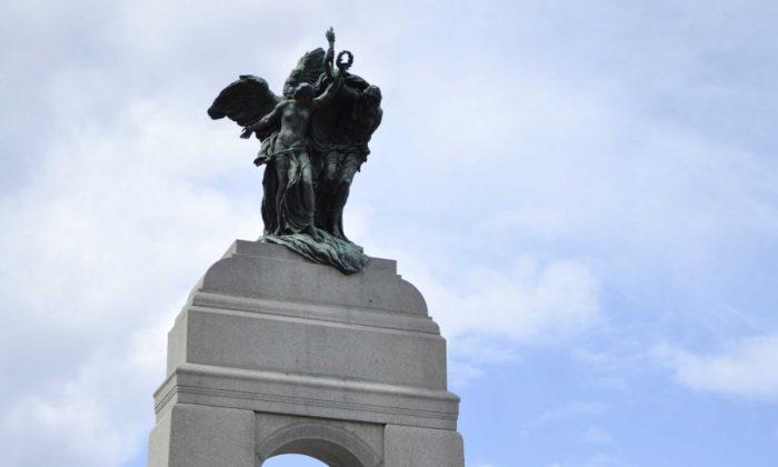 The National War Memorial in Ottawa (Wikimedia Commons)