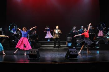 Crooner Sylvain Landry and dancers celebrate the 1950s in the 2009 edition of A Musical Taste of Our Canadian Heritage at the Canadian Museum of Civilization. (Courtesy of Alan Dean Photography)