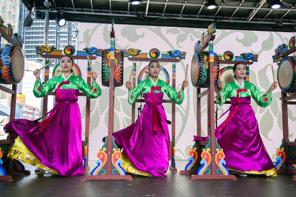 Performers from the Sounds of Korea  percussion and dance group. (Benjamin Chasteen/Epoch Times)