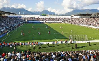 Vancouver Whitecaps FC welcomed Toronto FC for the first all-Canadian MLS game last Saturday in front of a sold-out crowd and white caps in the distant background. (Jeff Vinnick/Getty Images)