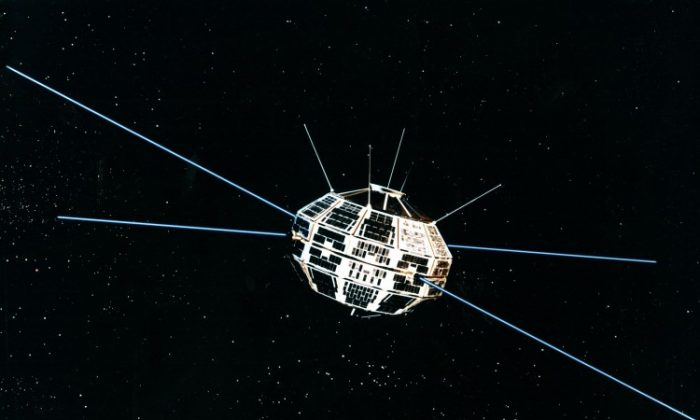 The Canadian space program marks its beginning in 1962 with the launch of the Alouette-1 research satellite. With this mission, Canada became the third country in space and the third country to design and build its own satellite, after Russia and the United States. Alouette-1, designed to study the ionosphere for a year, continued to transmit data for 10 years. (Communications Research Centre Canada)