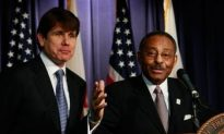 Blagojevich Appoints Roland Burris as Obama's Replacement