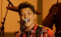 Bruno Mars Tops Charts With 'Just The Way You Are'