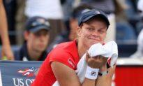 Clijsters Comeback Goes Past Venus