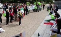 Edmonton Rally Shows Solidarity with Protesters in Iran