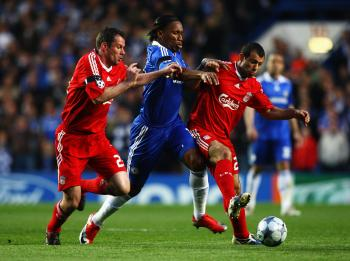Chelsea and Liverpool Stage a Classic, Blues Move on
