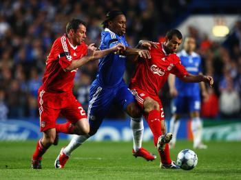 Chelsea Dumps Liverpool, Takes Top Spot