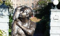 Emily Carr Honoured With Hometown Statue