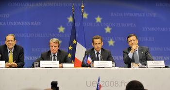 EU Criticizes Russia, Postpones Partnership Talks