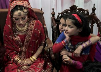 Pakistan Restricts Weddings to Save Energy