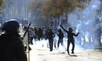 France Riots: Strikers Vow to Paralyze the Country