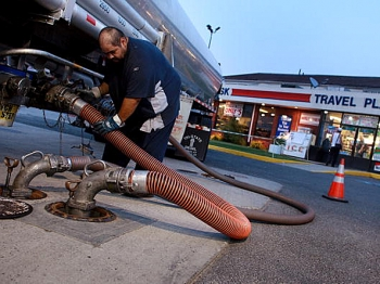 Fuel prices are hitting records highs almost daily. (Spencer Platt/Getty Images)