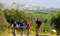 Healthy Travel: The World on a Bike, 5-Star Style