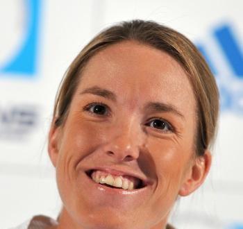 Henin Announces Tennis Comeback