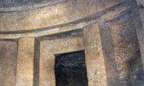 Ancient Architects On Same Wavelength