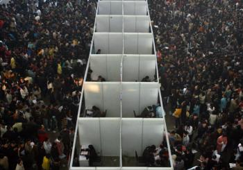 A job fair on Nov. 20 in Nanjing, capital of Jiansu Province, was crowded with college graduates seeking employment. (Getty Images)