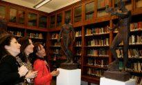 Sculptures Become Flash Point for New Renaissance