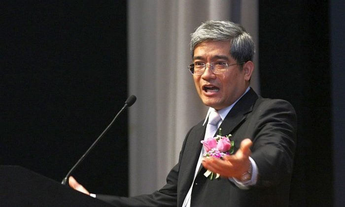 Larry Lang, chair professor of Finance at the Chinese University of Hong Kong. (Wu Lianyou/The Epoch Times)