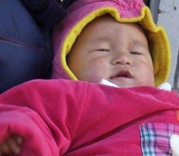 Zhou Xiong's son. (Internet photo)