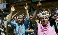 Hundreds of Thousands March for Kashmir's Independence
