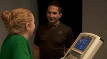Ray Zahab, host of Smober Up, an online community to help smokers quit smoking, asks 25-year-old Jaime to run for a few minutes on a treadmill to assess her physical condition. He explains that smokers have reduced lung capacity and oxygen level. (Evidently)